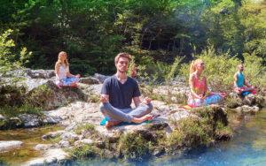 Raduno di Yoga